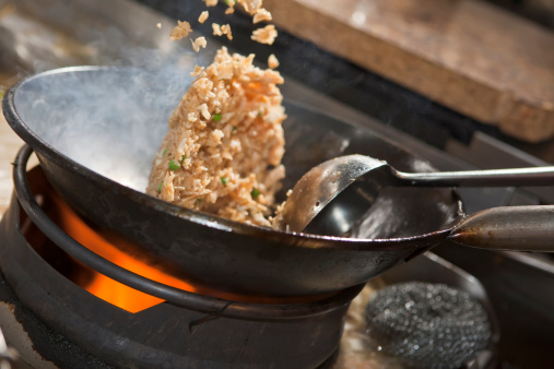 Pourquoi pas une recette de Riz Frit fait maison?